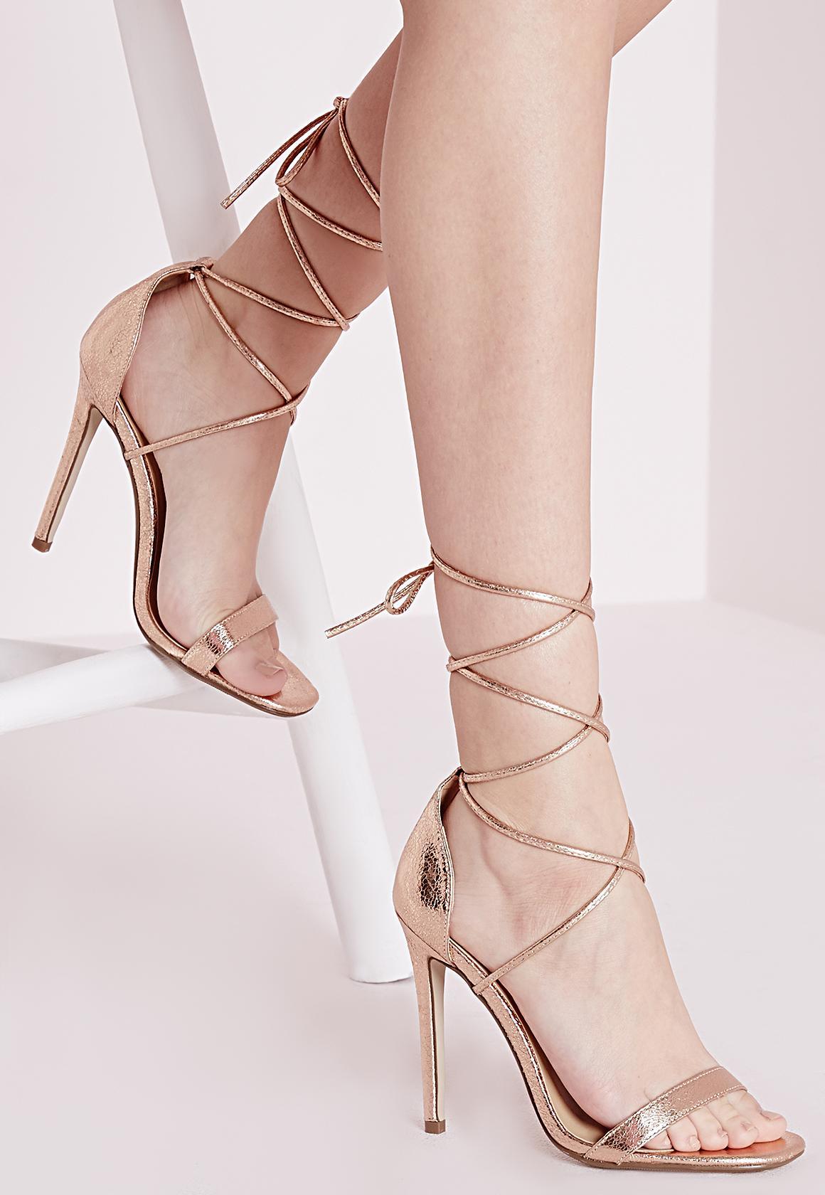 جدیدترین مدل از کفش مجلسی پاشنه بلند طلایی