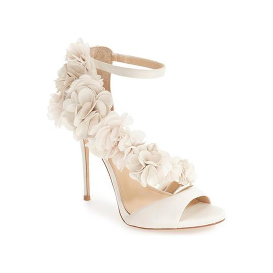 مدل کفش مجلسی بسیار شیک و زیبا مناسب عروس