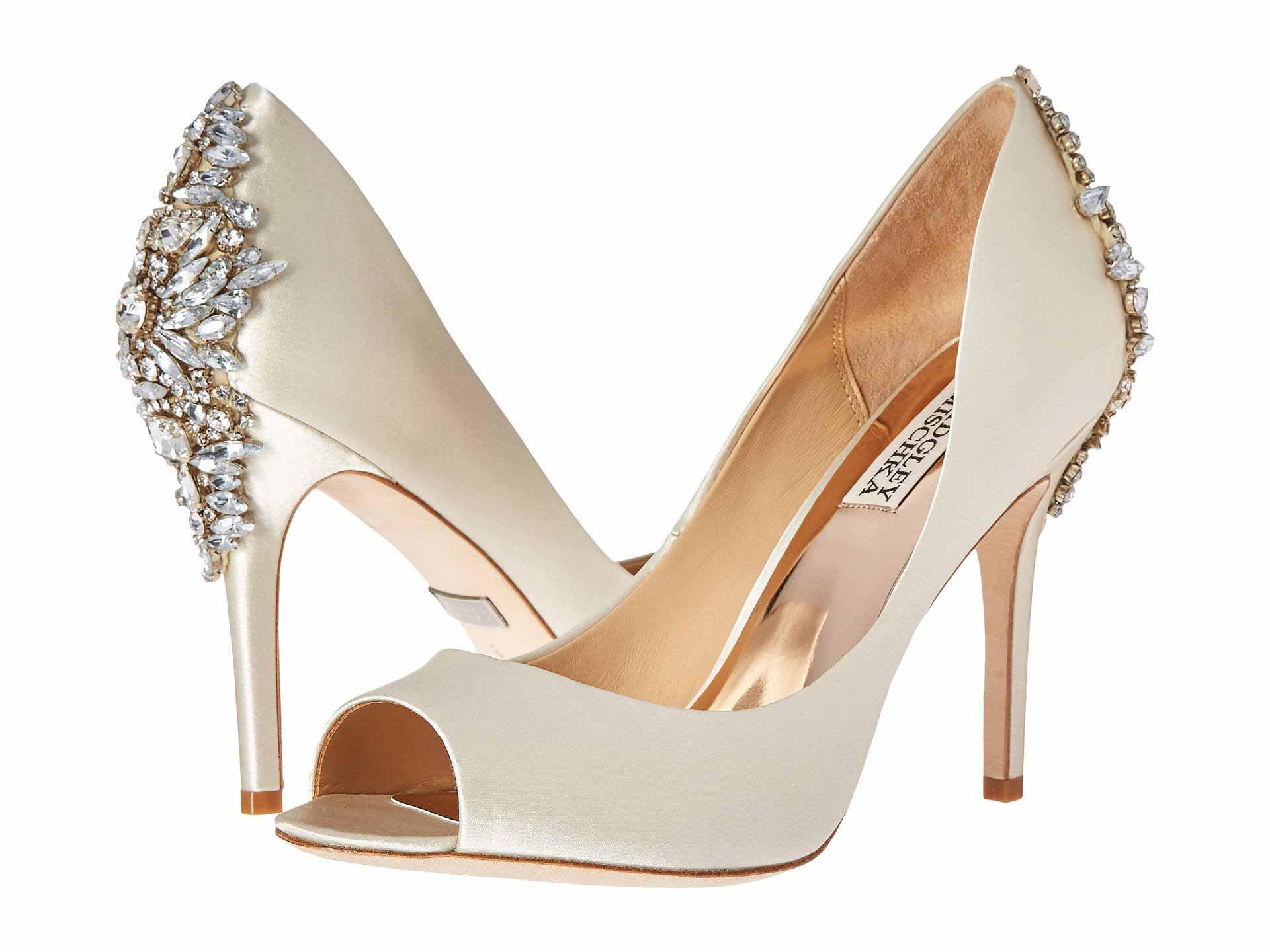 مدل کفش مجلسی زنانه جلوباز با پاشنه بلند و نگین دار از پشت