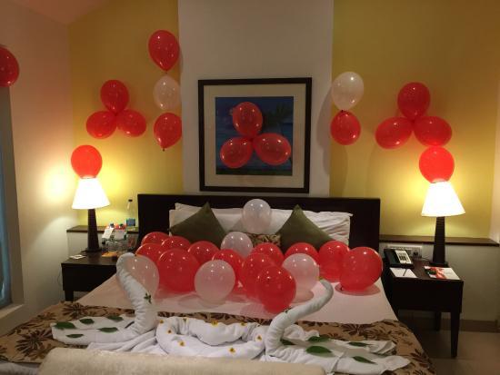 تصاویر تزیین اتاق خواب عروس با بادکنک