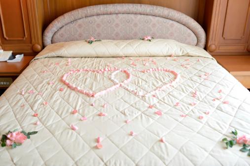 عکس تزیین اتاق خواب عروس ساده و بسیار شیک