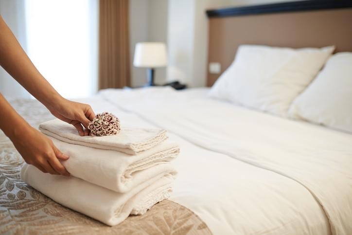 ۲۶ مدل جدید تزیین اتاق خواب عروس و داماد