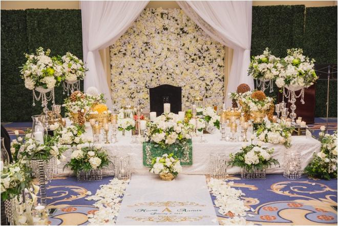 تزئین سفره عقد شیک همراه با گل طبیعی و با شمع