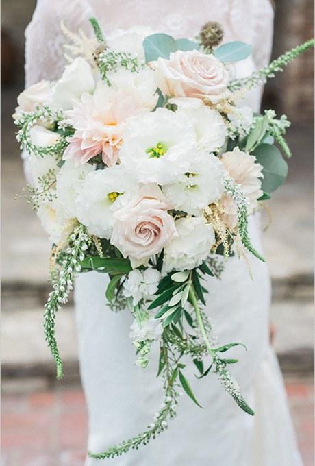 دسته گل عروس ترکیبی و بسیار زیبای آبشاری