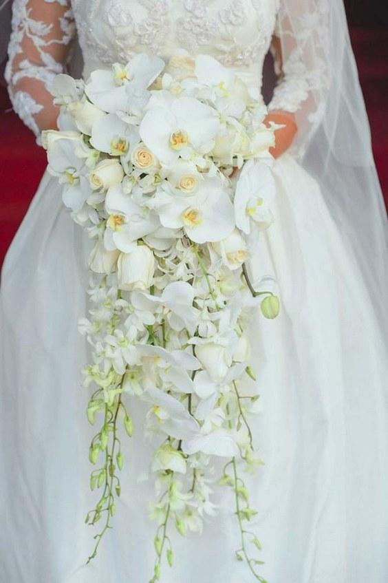 مدل دسته گل عروس با ارکیده و رز سفید