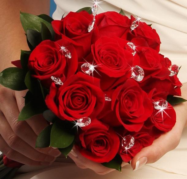 عکس مدل دسته گل عروس با رز قرمز ساده و شیک