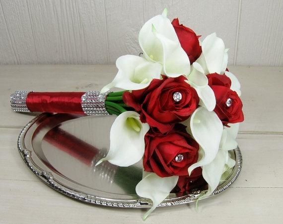 مدل دسته گل عروس با گل ارکیده و رز قرمز
