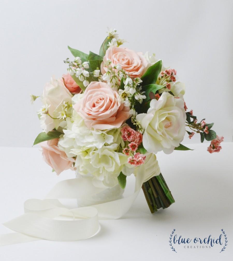 مدل دسته گل عروس شیک با تزیین روبان