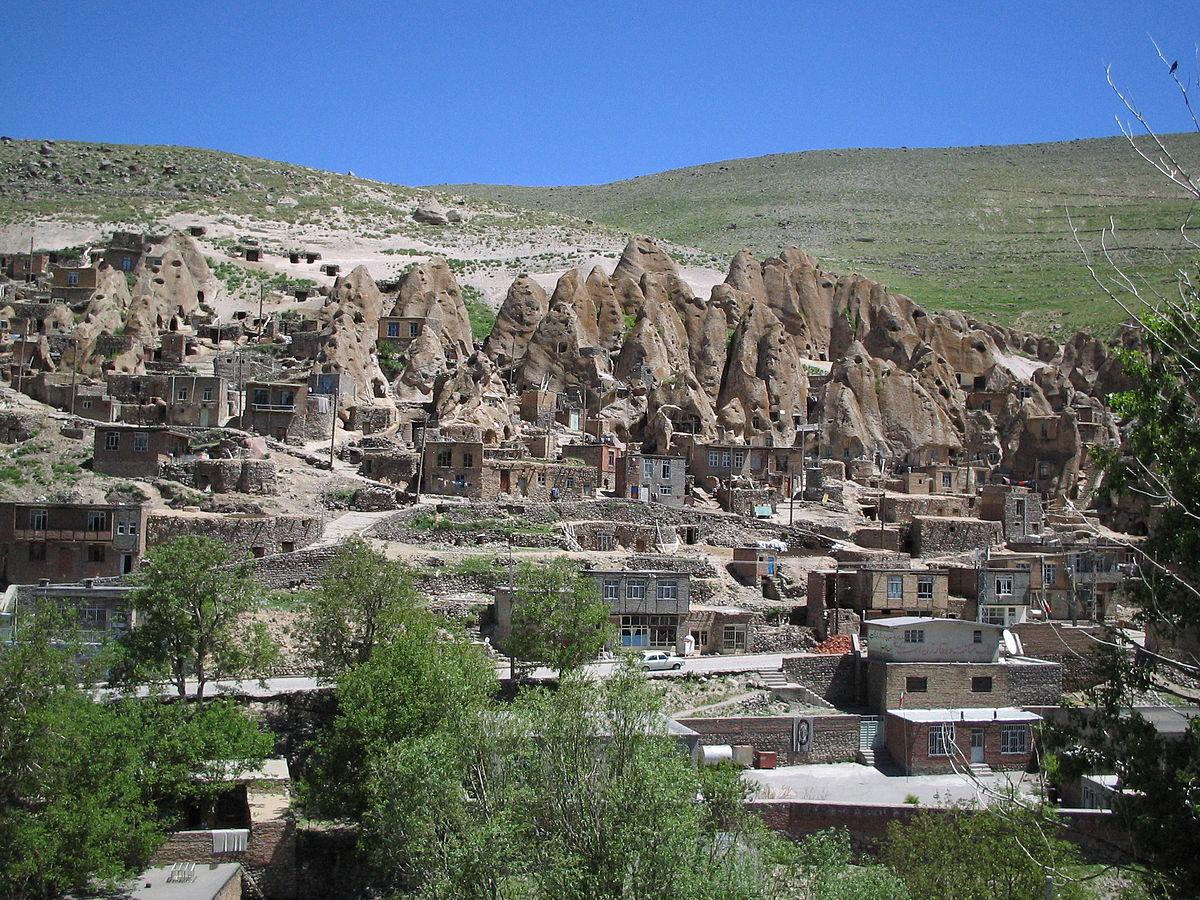کندوان روستایی زیبا و سر سبز در عید و از جاهای دیدنی تبریز