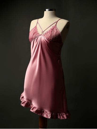لباس خواب زنانه ساتن و کوتاه جذاب