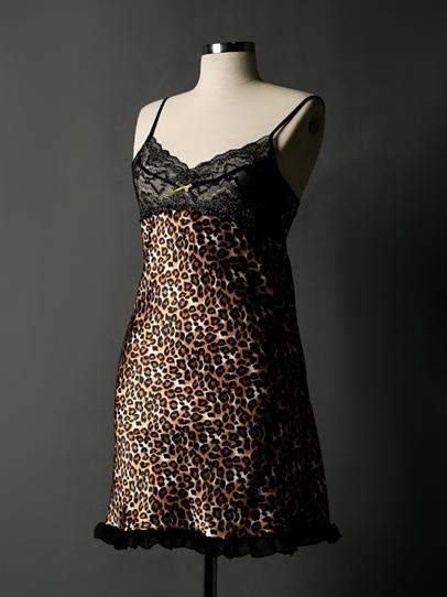 لباس خواب زنانه کوتاه و جدید با بالا تنه توری