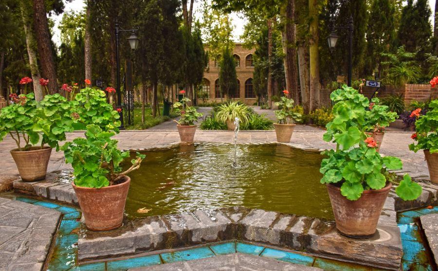 ساعت بازدید و آدرس باغ ایرانی ده ونک