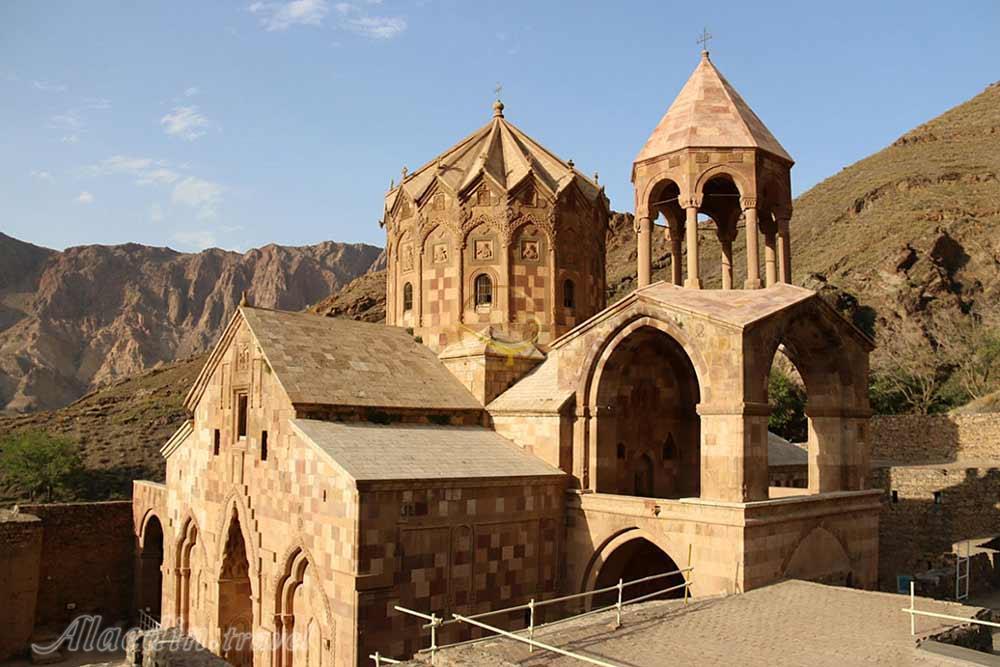 جلفا یکی از مناطق سرسبز و گمرکی و یکی از جاهای دیدنی اطراف تبریز