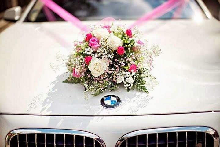 تزیین ماشین عروس با تور و گل رز بسیار ساده و شیک