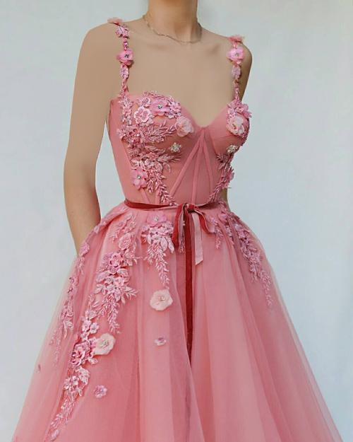انواع مدل لباس شب و لباس نامزدی شیک و گل گلی