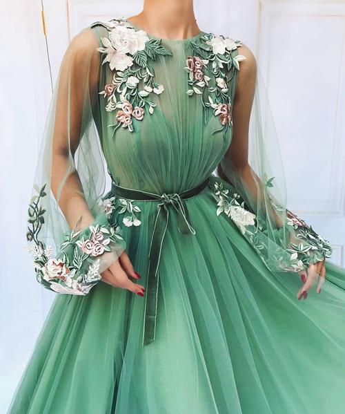 انواع مدل لباس مجلسی فانتزی گل گلی