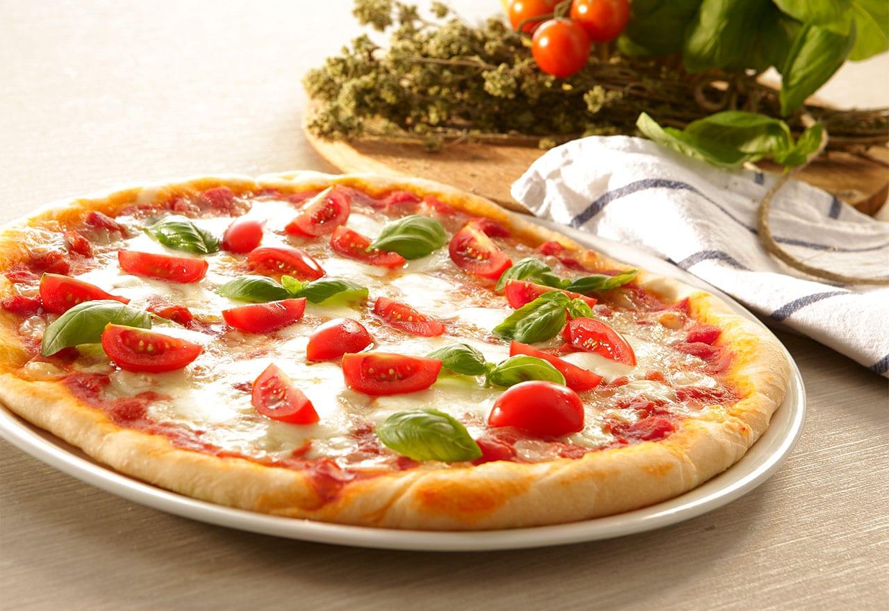 طرز تهیه انواع غذا با خمیر پیتزا