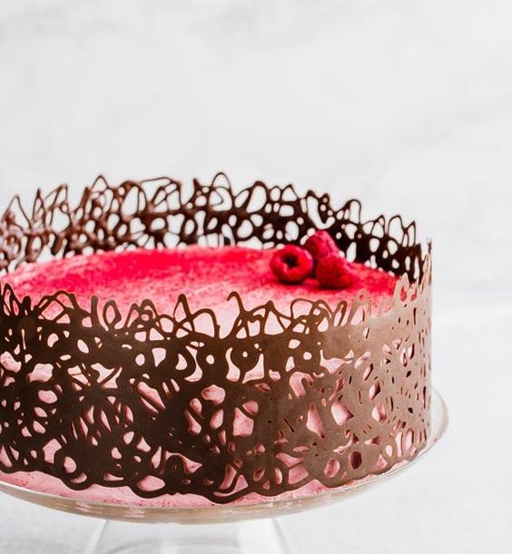 تزیین کیک تولد دخترانه با خامه